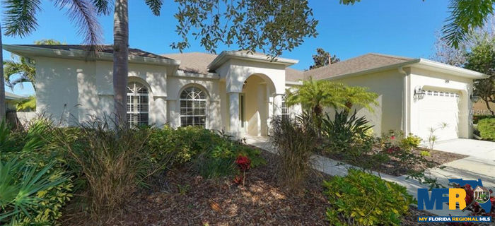 13437 Purple Finch Circle, Lakewood Ranch, FL 34202 now has a new price of $429,900!